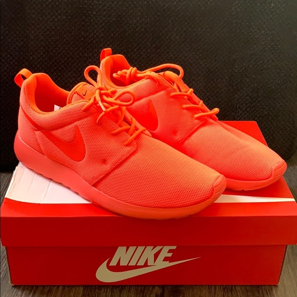 "Women's Nike Roshe One ""Total Crimson"" sz 11"